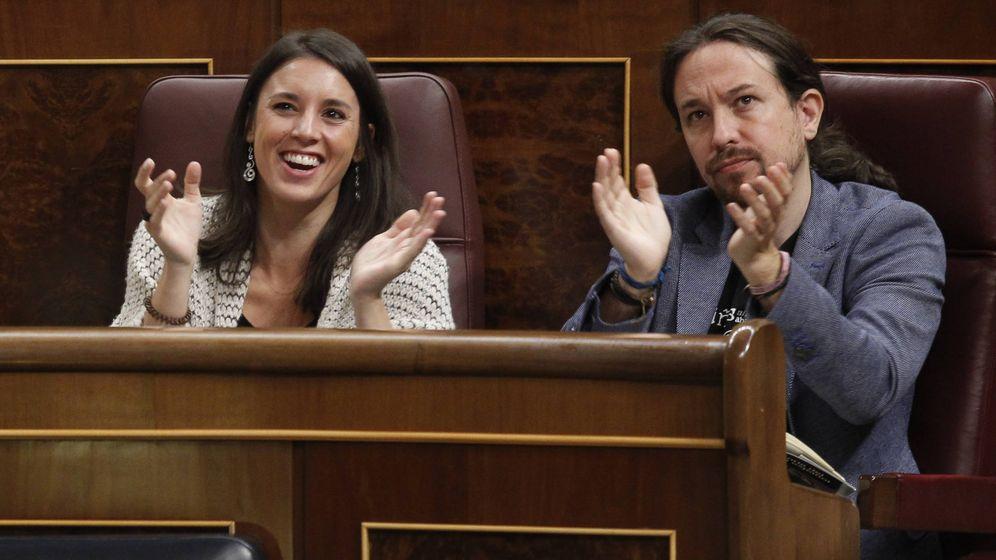 Foto:  Irene Montero y Pablo Iglesias, en una imagen en el Parlamento. (Gtres)