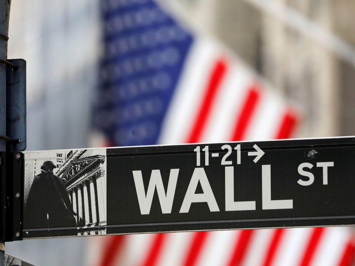 Foto: Un cartel de Wall Street. (Reuters)