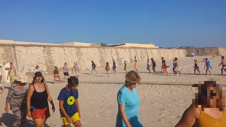 Imagen del encuentro que el grupo de Ángel Lara llevó a cabo en una playa.
