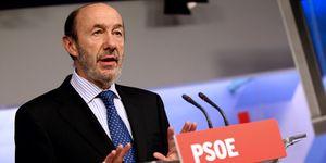 """Rubalcaba exige al Gobierno que """"se faje y pelee"""" con el BCE para atajar la crisis"""