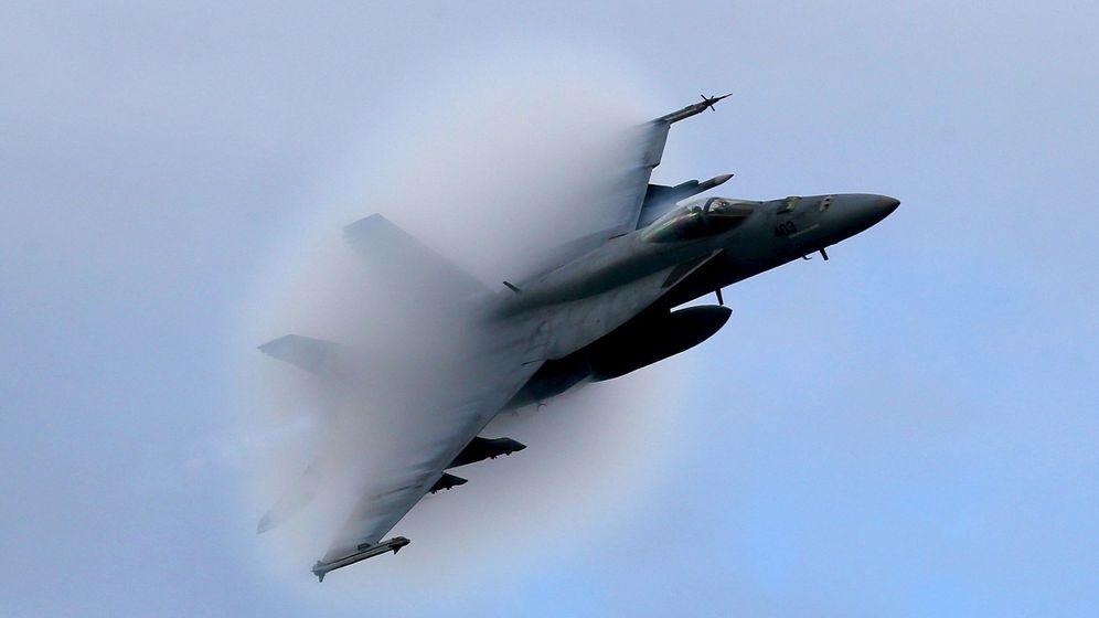 Foto: El F-18 Super Hornet, en pleno vuelo. (Reuters)