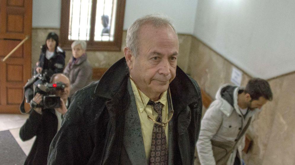 Foto: El juez del caso Nóos y Palma Arena, José Castro, a su llegada a los Juzgados de Palma de Mallorca. (Efe)