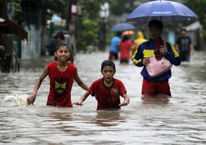 El Tifón Usagi en Filipinas causó al menos 16 muertos. (Efe)