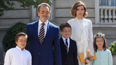 Nieves Álvarez, radiante en la Primera Comunión de su hijo Adriano