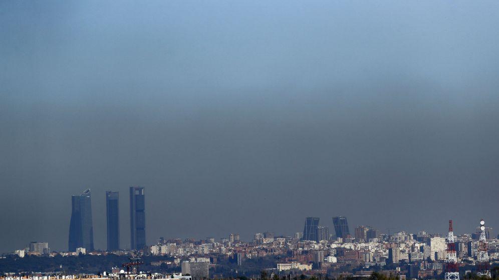 Foto:  Vista de Madrid con boina de contaminación. (Efe)