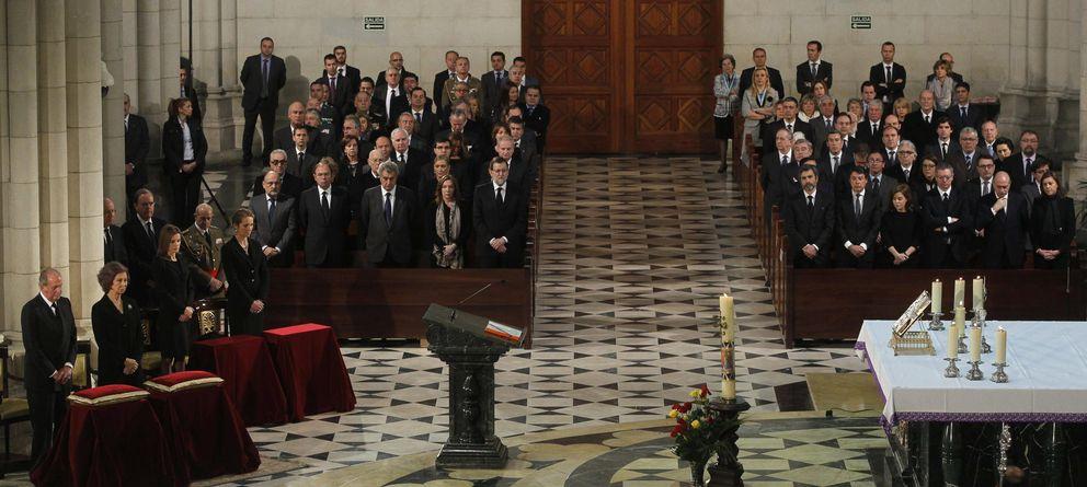 La Fundación Víctimas del Terrorismo deja fuera del funeral a Zapatero y Aznar