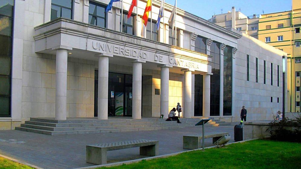 Foto: Paraninfo de la Universidad de Cantabria, la universidad pública que mejor parada sale en el 'ranking'.