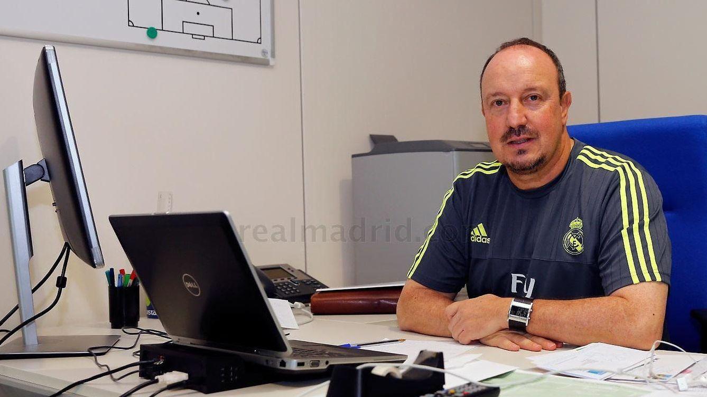 Foto: Rafa Benítez en su despacho de Valdebebas (realmadrid.com).