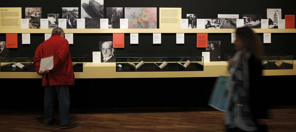 Foto: Exposición generación del 14 en la Biblioteca Nacional (EFE)