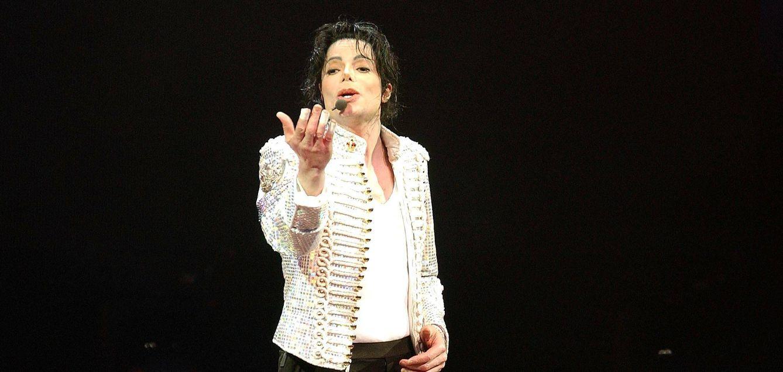 Noticias de Famosos: Michael Jackson quería casarse con una niña ...