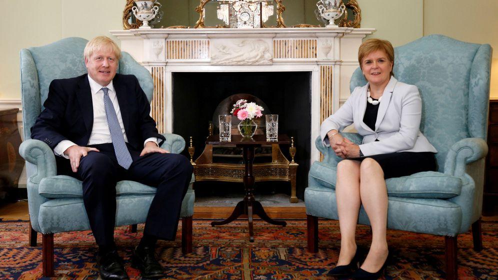 Foto: Boris Jonhson y Nicola Sturgeon. (Reuters)