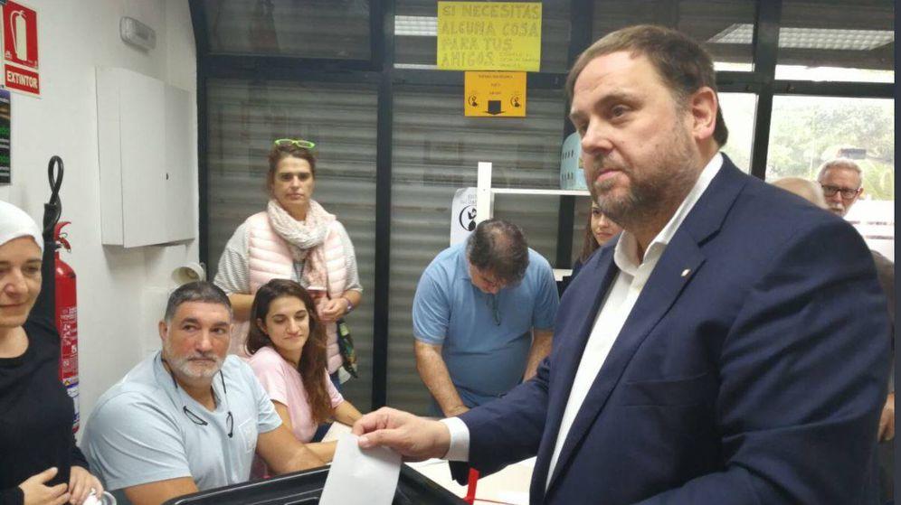 Foto: Oriol Junqueras, durante su votación (ERC)