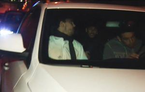 Neymar llega tarde al entrenamiento por salir de fiesta