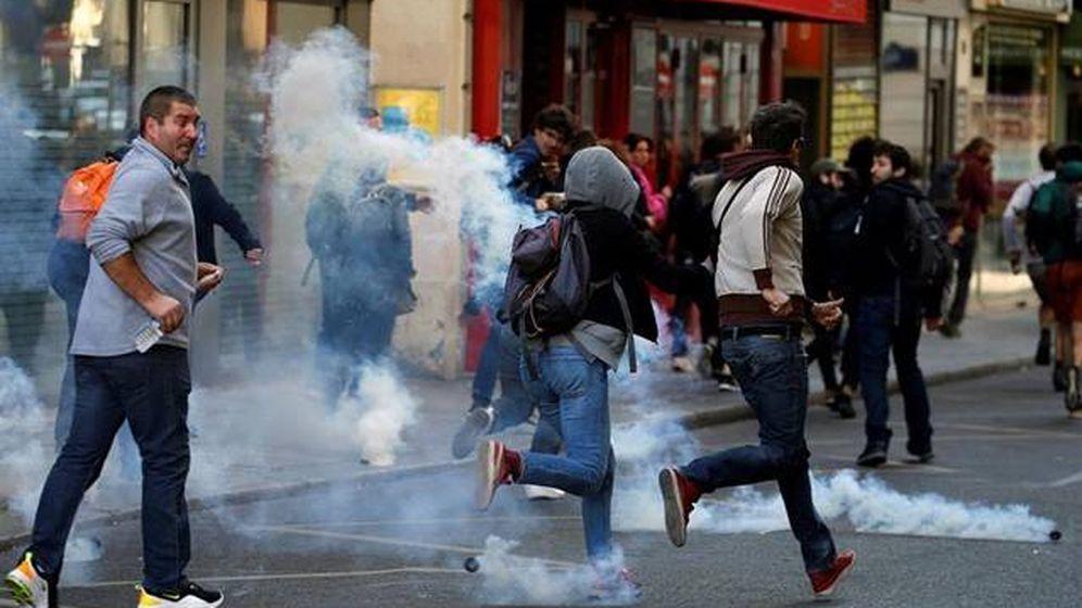 Foto: Varios manifestantes en París. (Reuters)