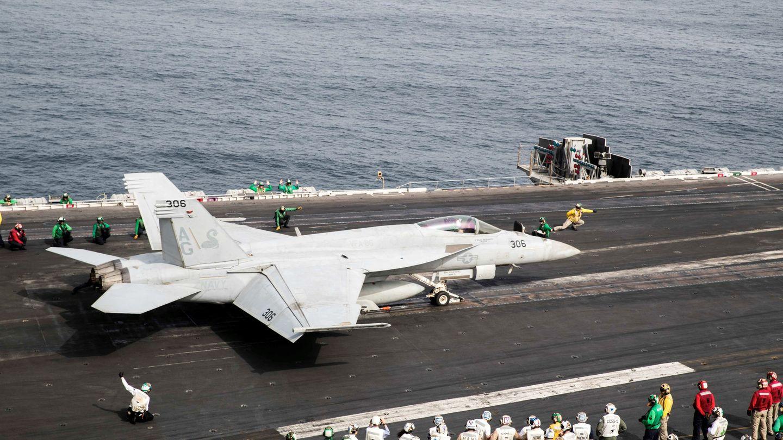 Super Hornet en un portaaviones. (Foto: Reuters)