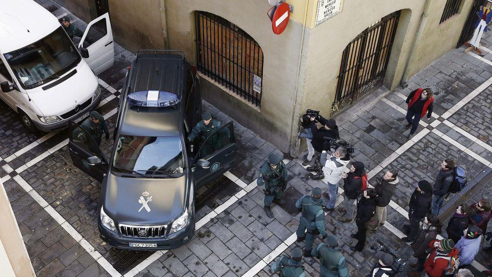 Foto: Operación Pastor de marzo de 2015 en las calles de Pamplona contra el frente de cárceles de ETA. (EFE)