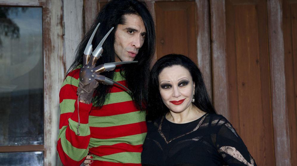 Foto: Mario Vaquerizo y Alaska, durante un acto promocional en el Parque Warner de Madrid. (EFE)