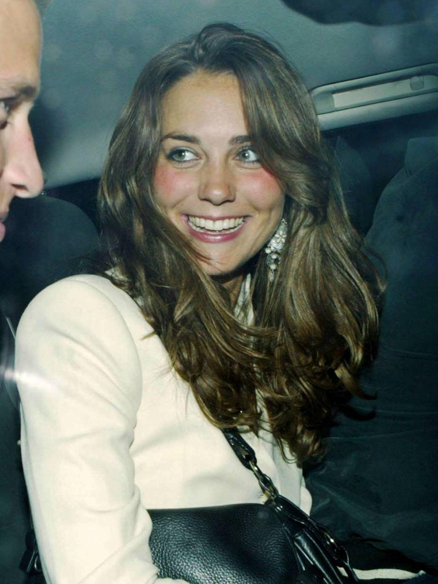 Kate Middleton, con una tez muy natural en los inicios de su relación con el príncipe William. (Cordon Press)