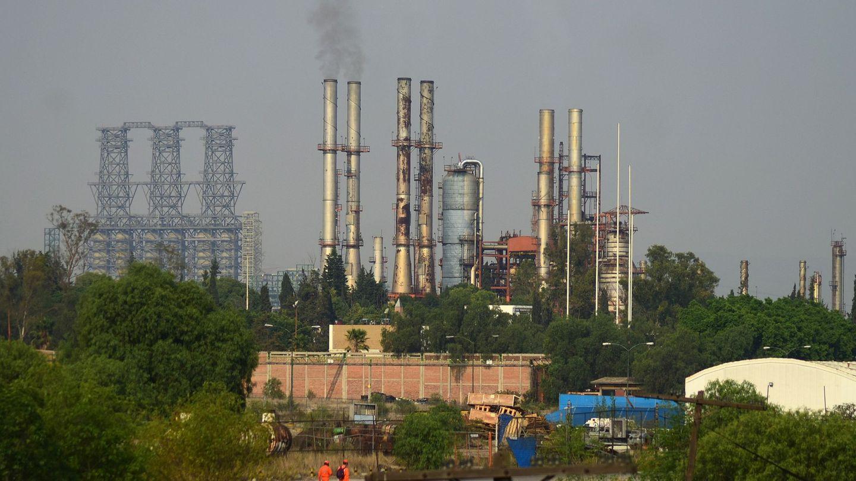 Vista general de la refinería Miguel Hidalgo, de Petróleos Mexicanos (Pemex) (EFE)