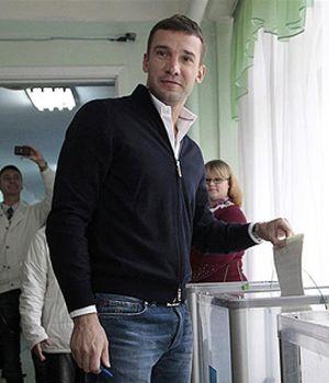 Shevchenko y Klitschko usan su éxito deportivo para luchar contra la corrupción política