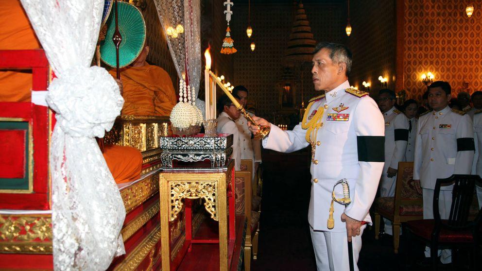 El polémico príncipe Maha, coronado como  rey Rama X de Tailandia