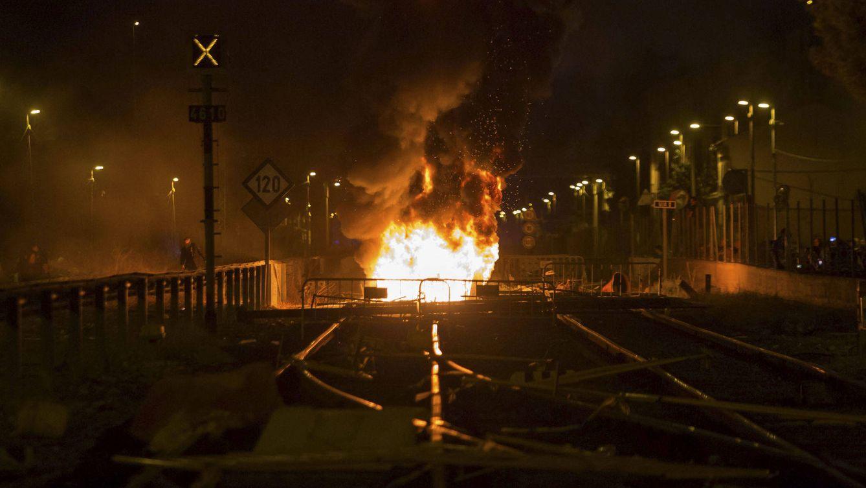 Murcia arde a la sombra de Cataluña: El AVE por abajo, nosotros por arriba