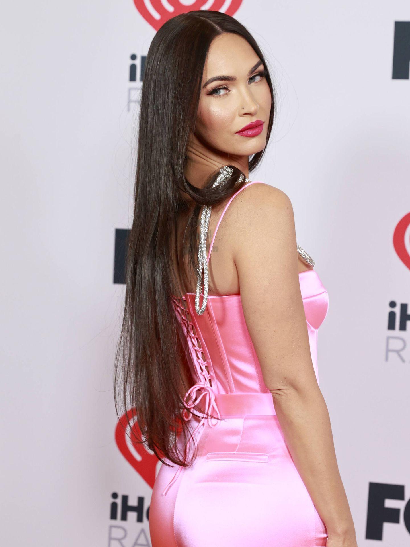 Meghan Fox, con liquid hair en los iHeartRadio Music Awards. (Getty)