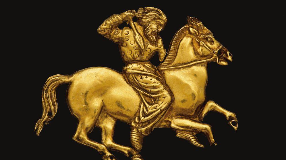 Foto: Una de las piezas del famoso 'oro de los escitas'. (EFE)