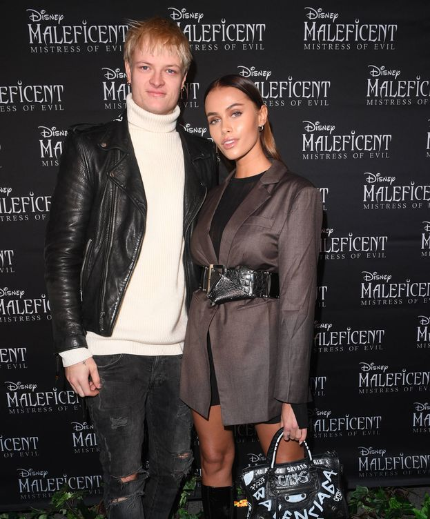 Foto: Marius Borg, con su novia en el estreno de 'Maléfica 2'. (Getty)