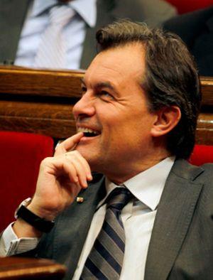 La Generalitat no recorta en fomento del catalán ni en personal de confianza