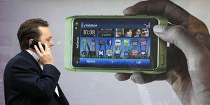 El 84% de los usuarios de 'smartphone' paga un 56% más de lo que consume