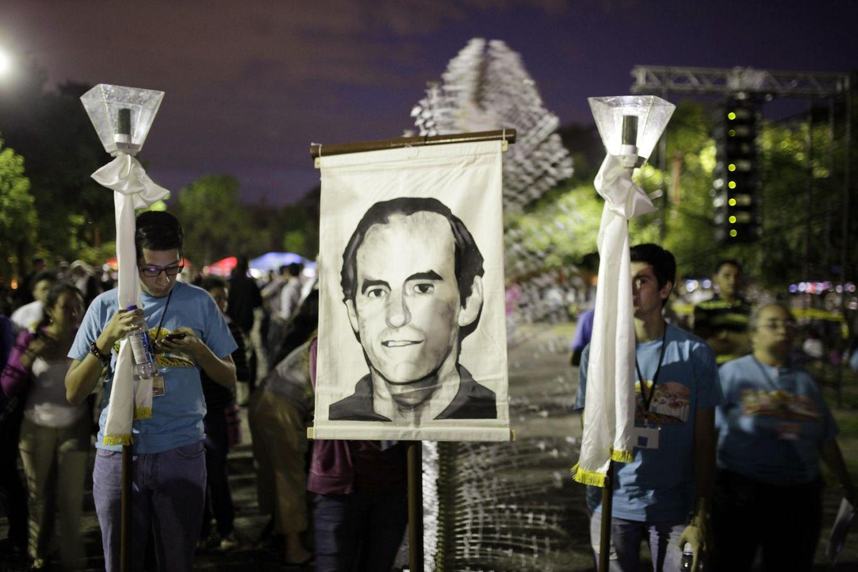 Procesión conmemorativa por el 25 aniversario del asesinato del jesuita Ignacio Ellacuría. (Reuters)
