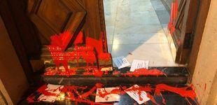 Post de Varios radicales arrojan pintura y pasquines proetarras a la casa de la líder del PSE