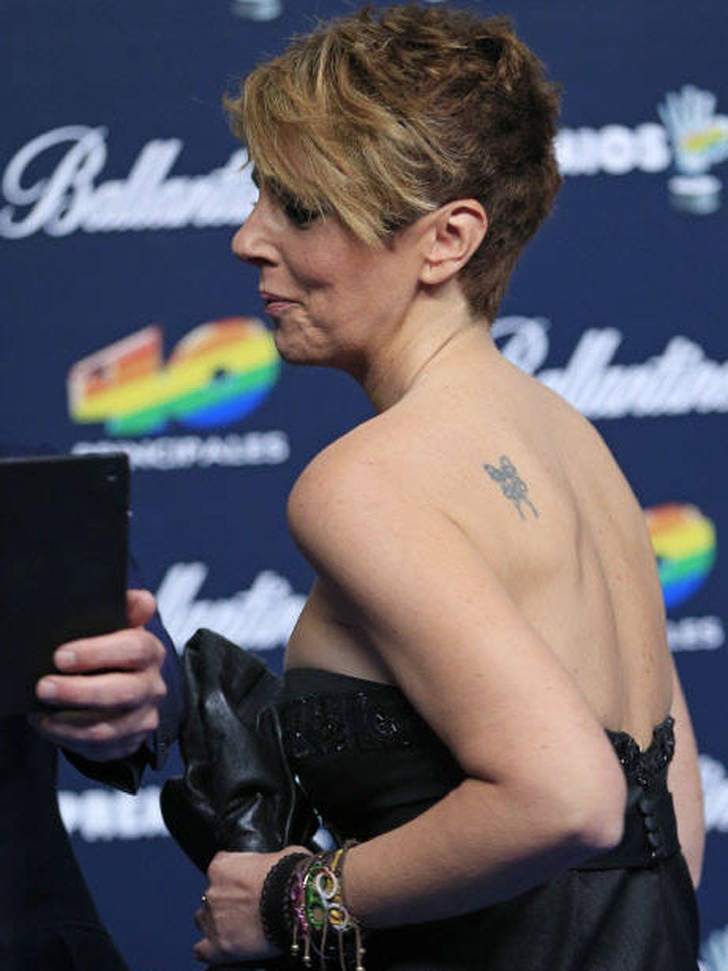 Rocío Carrasco luce el tatuaje que ha tapado con el ave fénix. (Gtres)