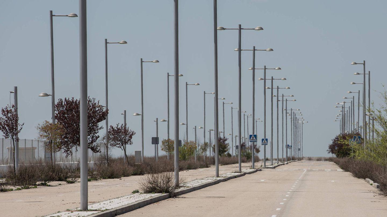 Una de las varias avenidas a ninguna parte de El Quiñón. (D.B.)