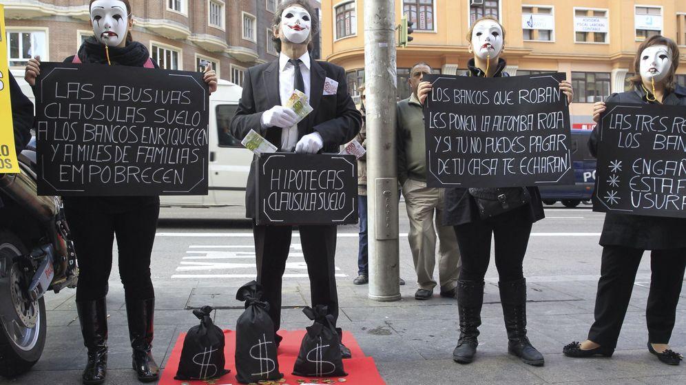 Foto: Concentración contra las cláusulas suelo en Madrid en 2013. (EFE)