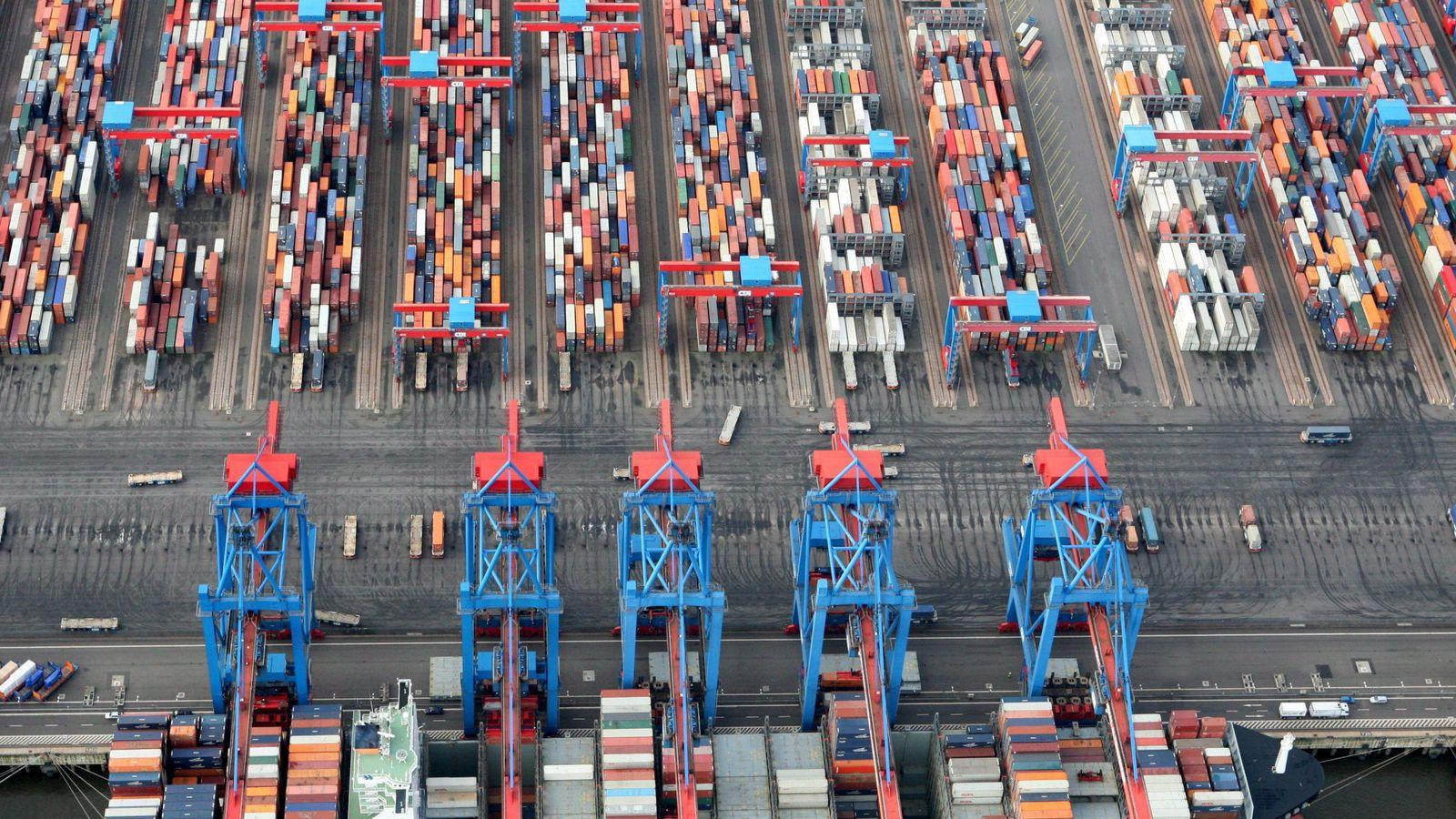 Foto: Foto de archivo de un buque de carga en el puerto de Hamburgo, Alemania. (EFE)