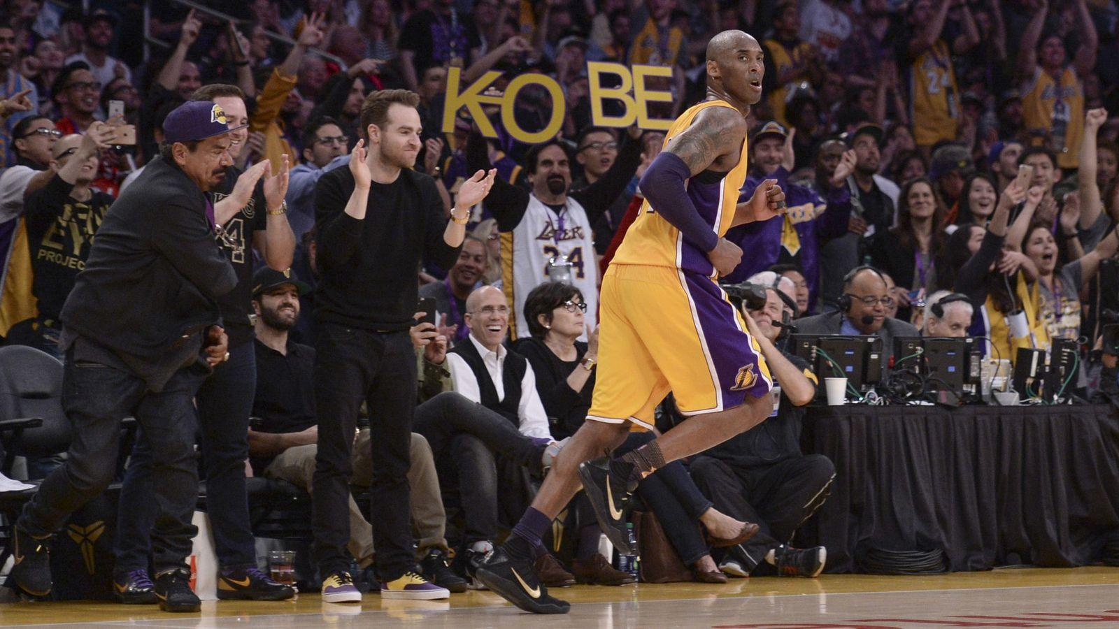 timeless design 1222f ba41a NBA  Kobe Bryant se despidió del baloncesto como solo él podía hacerlo
