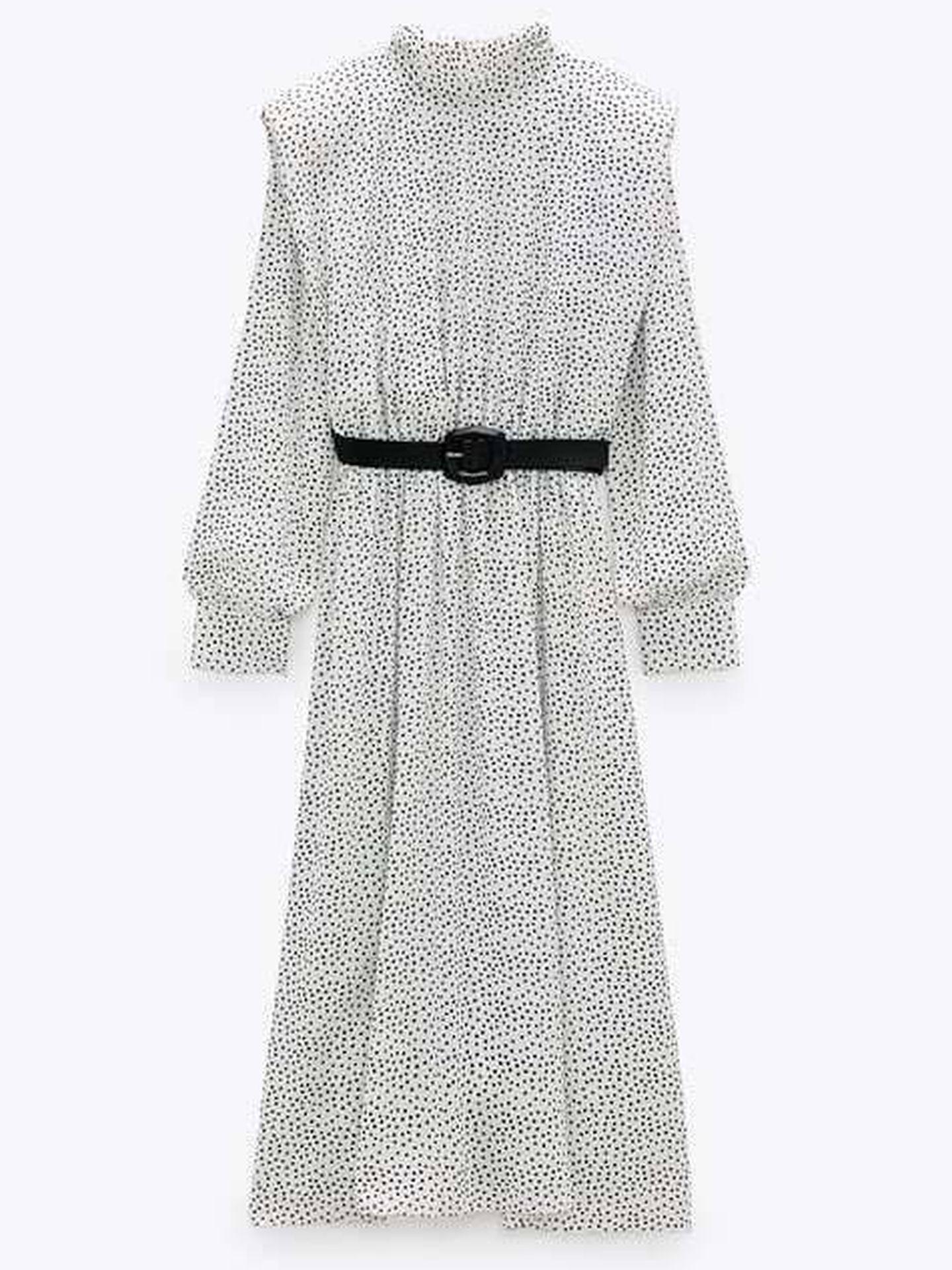 Vestido de lunares de Zara. (Cortesía)