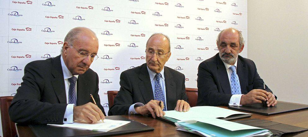 Foto: Julio Fermoso (i) y Santos Llamas (d) en una imagen de archivo (EFE)