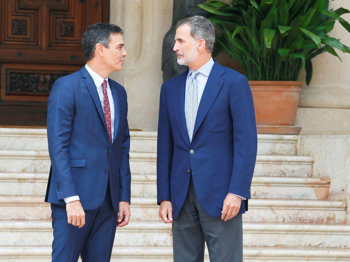 Foto: Pedro Sánchez y Felipe VI, el año pasado en Marivent. (Reuters)