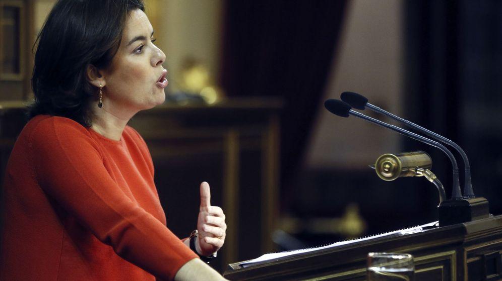 Foto: La vicepresidenta del Gobierno, Soraya Sáenz de Santamaría comparece en la Comisión General de Comunidades Autónomas, en el Senado. (EFE)