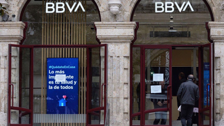 Radiografía a la banca: BBVA, Sabadell y CaixaBank, los más expuestos al virus