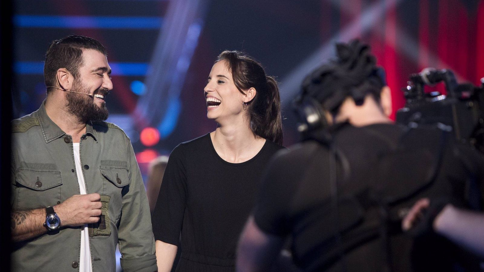Foto: Teresa Ferrer con Antonio Orozco en 'La Voz'. (Atresmedia)