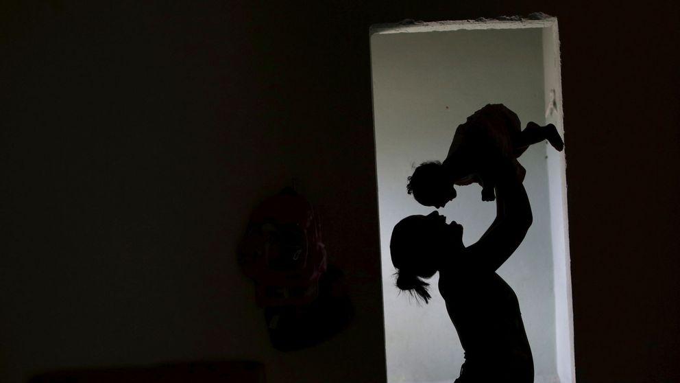 Dos años de cárcel a la madre que mató a su bebé por quedarse dormida sobre él