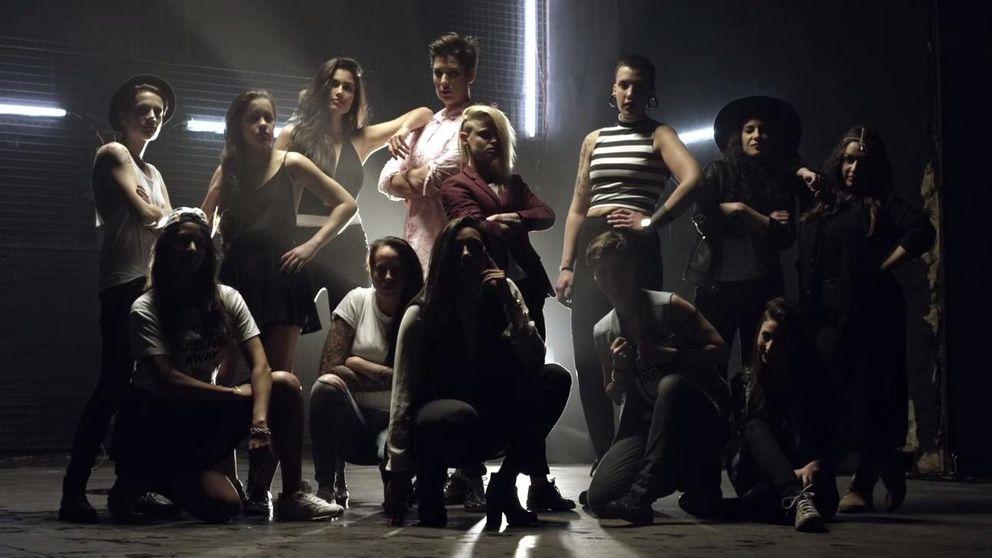 YouTube - La Miss Patricia Yurena y su novia Vanessa Klein protagonizan el spot de un festival lésbico