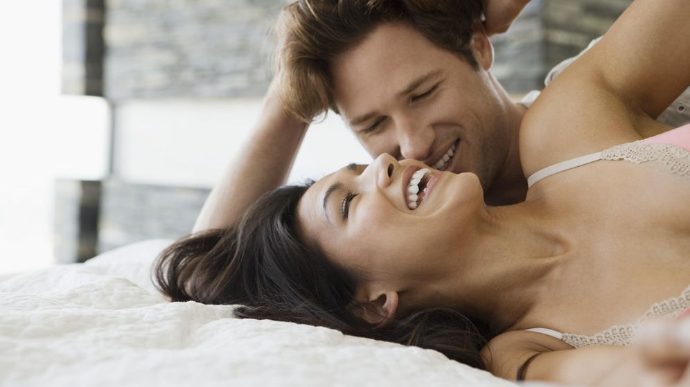 Foto: ¿Mejor hacer el amor por la mañana o por la noche? (Laura Doss/Corbis)