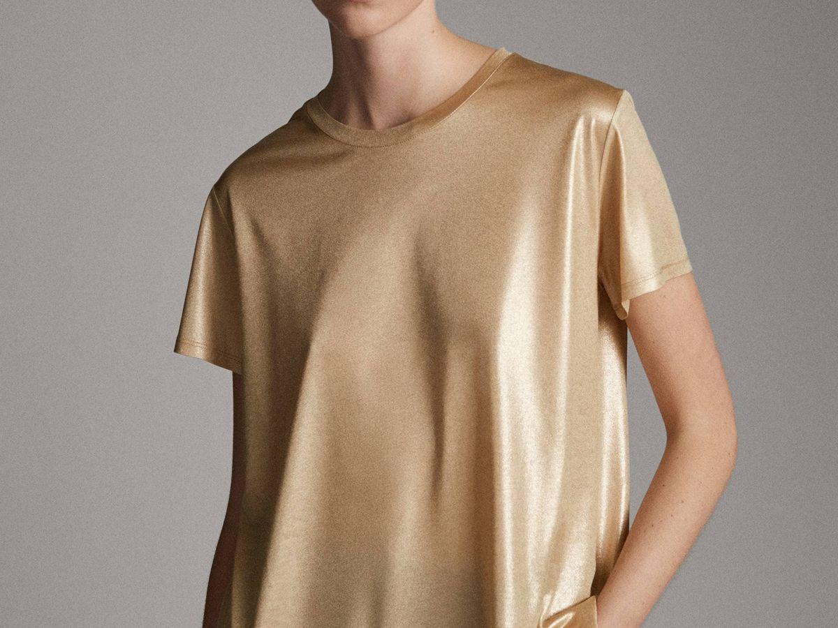 Foto: Camiseta elegante de Massimo Dutti. (Cortesía)