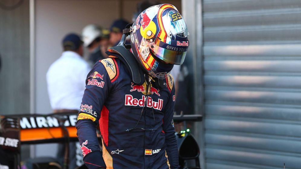 Foto: Carlos Sainz, frustrado tras el GP de Mónaco.