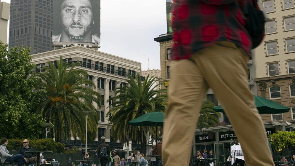 Foto: El anuncio de Colin Kaepernick en San Fransico. (EFE)